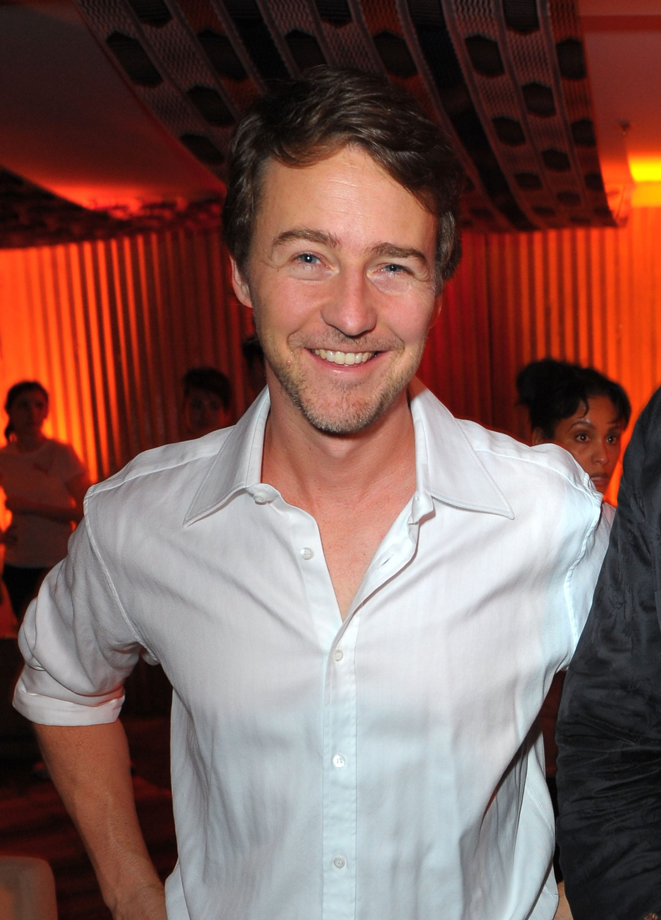 Edward Norton For mobile