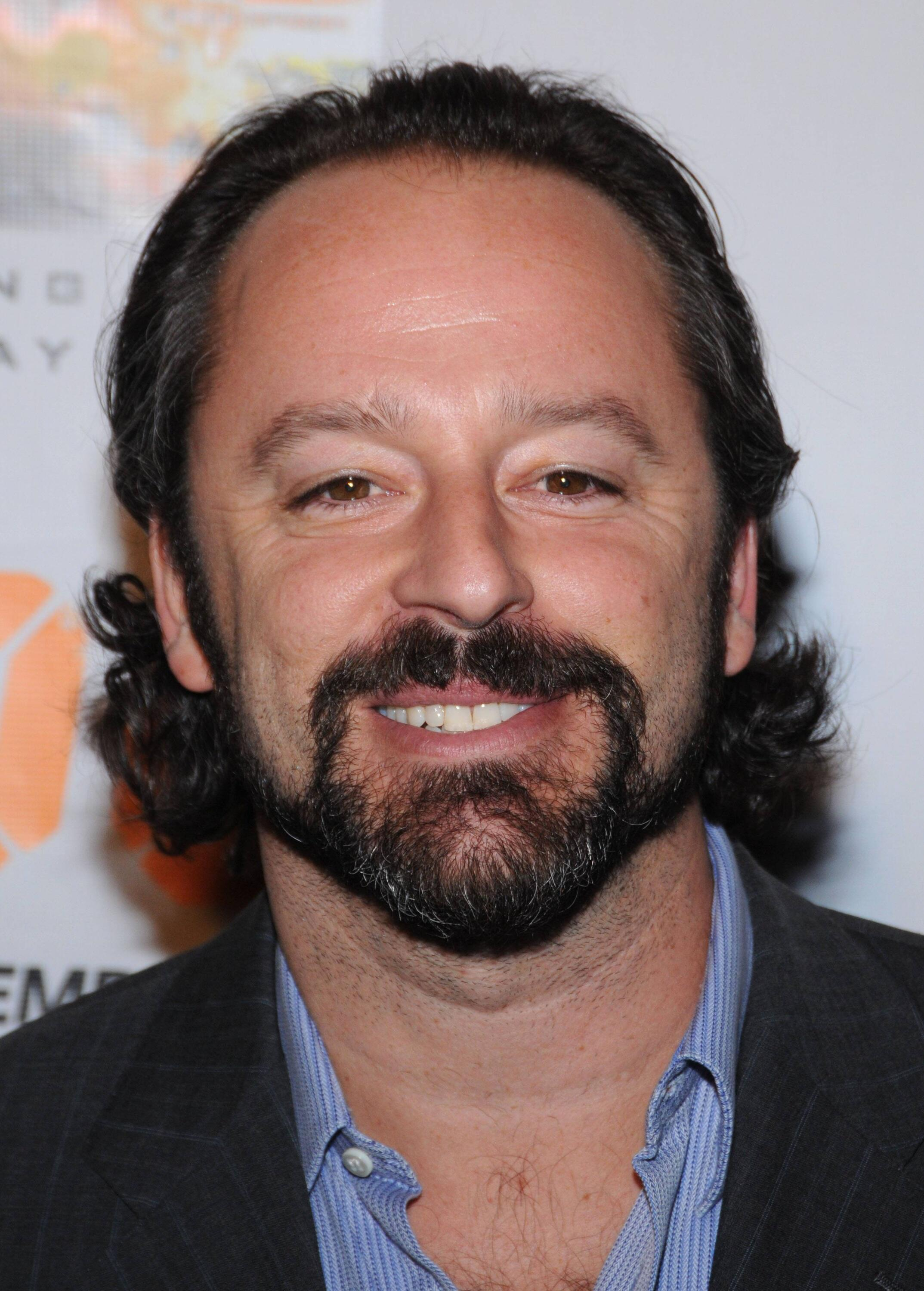 Gil Bellows For mobile