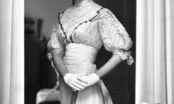 Gloria Vanderbilt For mobile