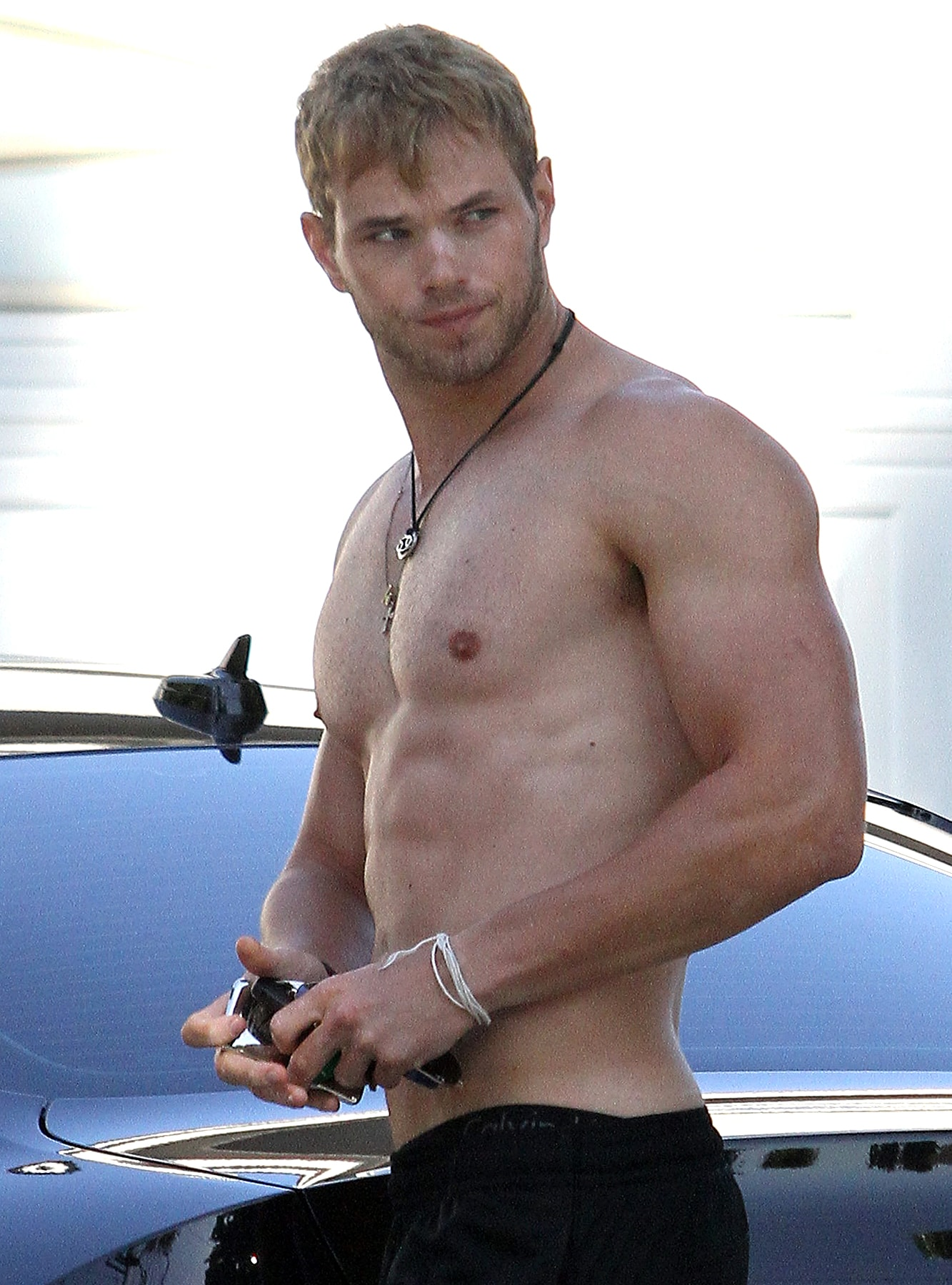 Kellan Lutz For mobile