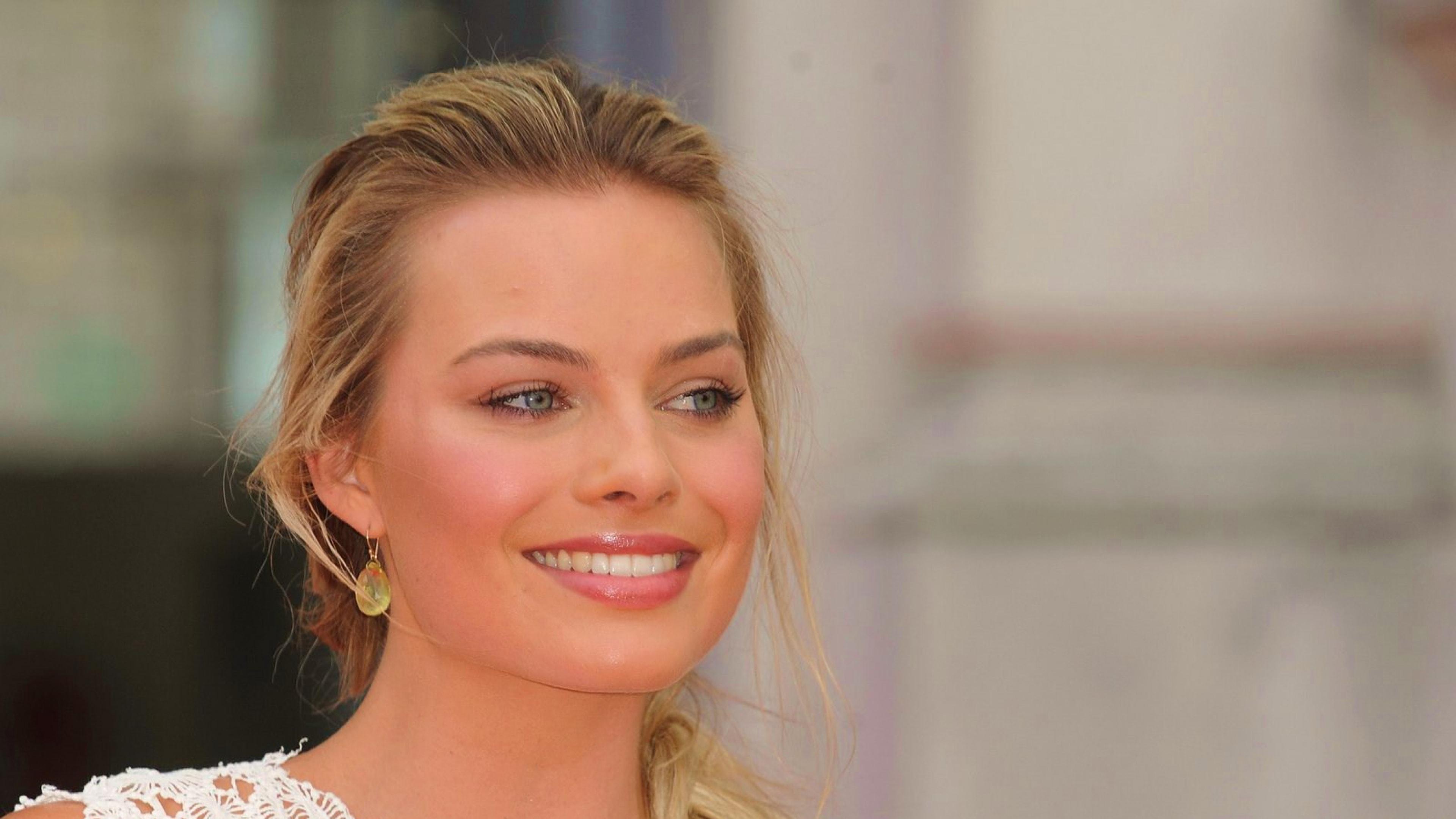 Margot Robbie Widescreen for desktop