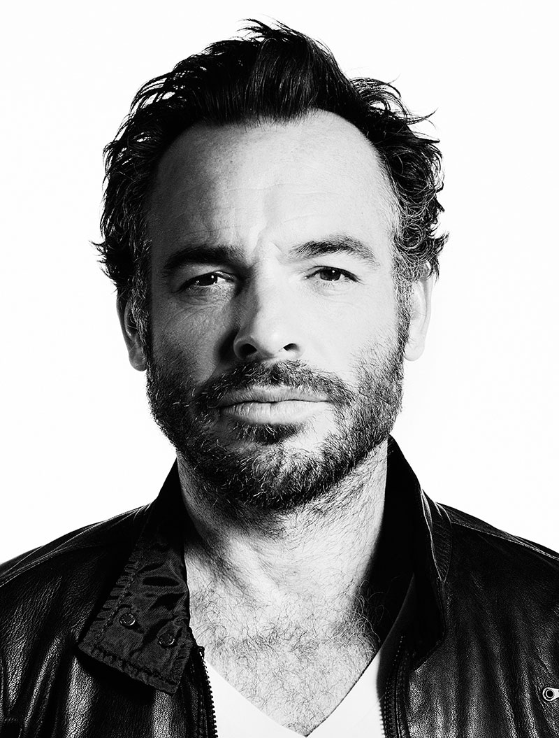 Paul Blackthorne For mobile