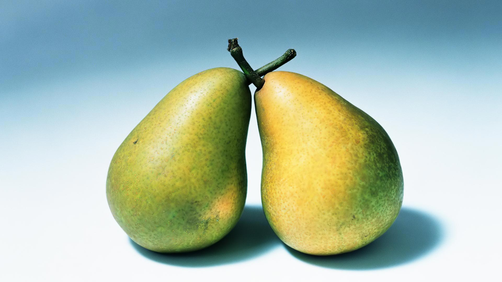 Pear widescreen for desktop