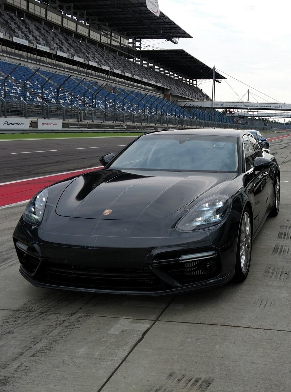 Porsche Panamera 2 For mobile