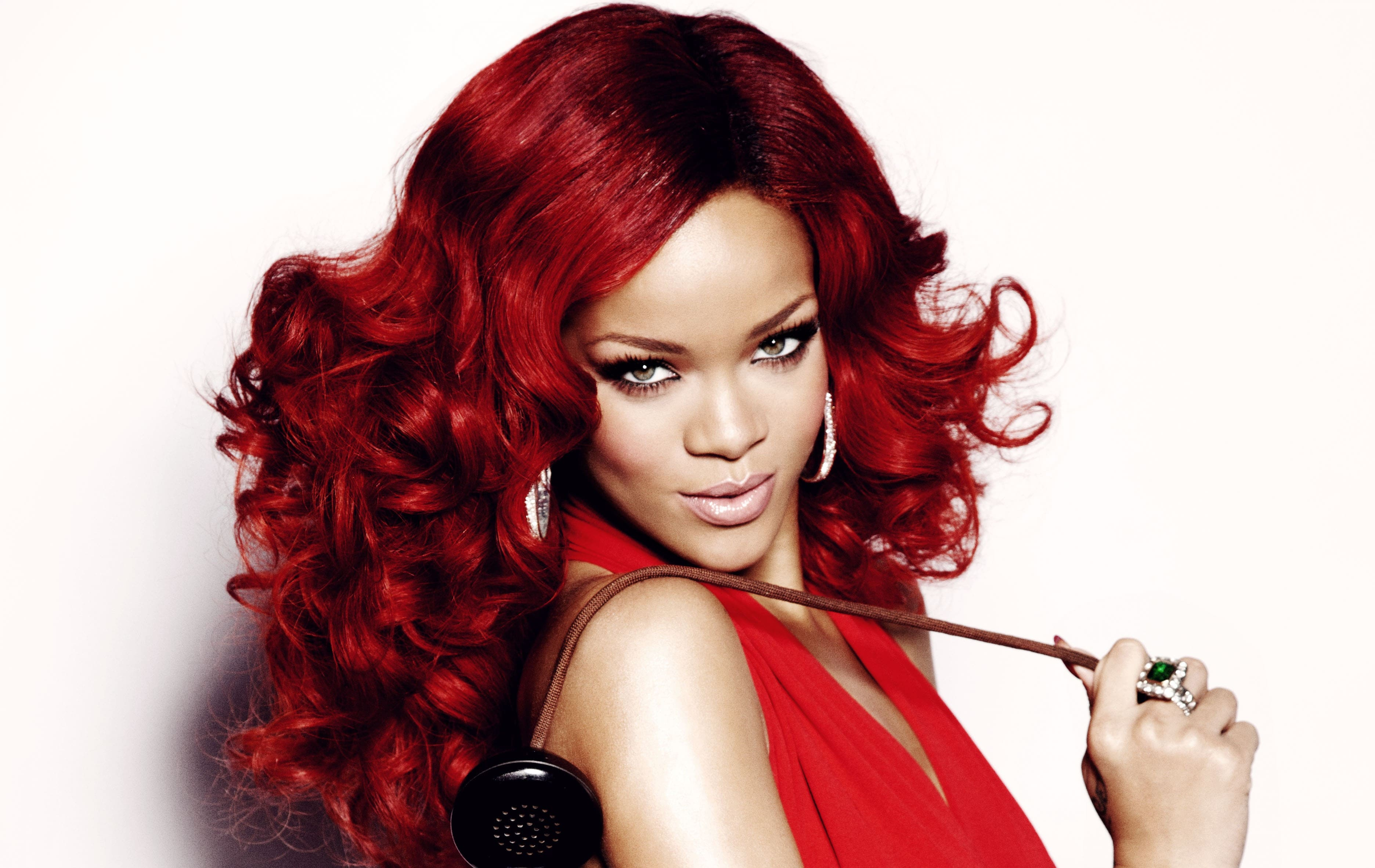 Rihanna Widescreen for desktop