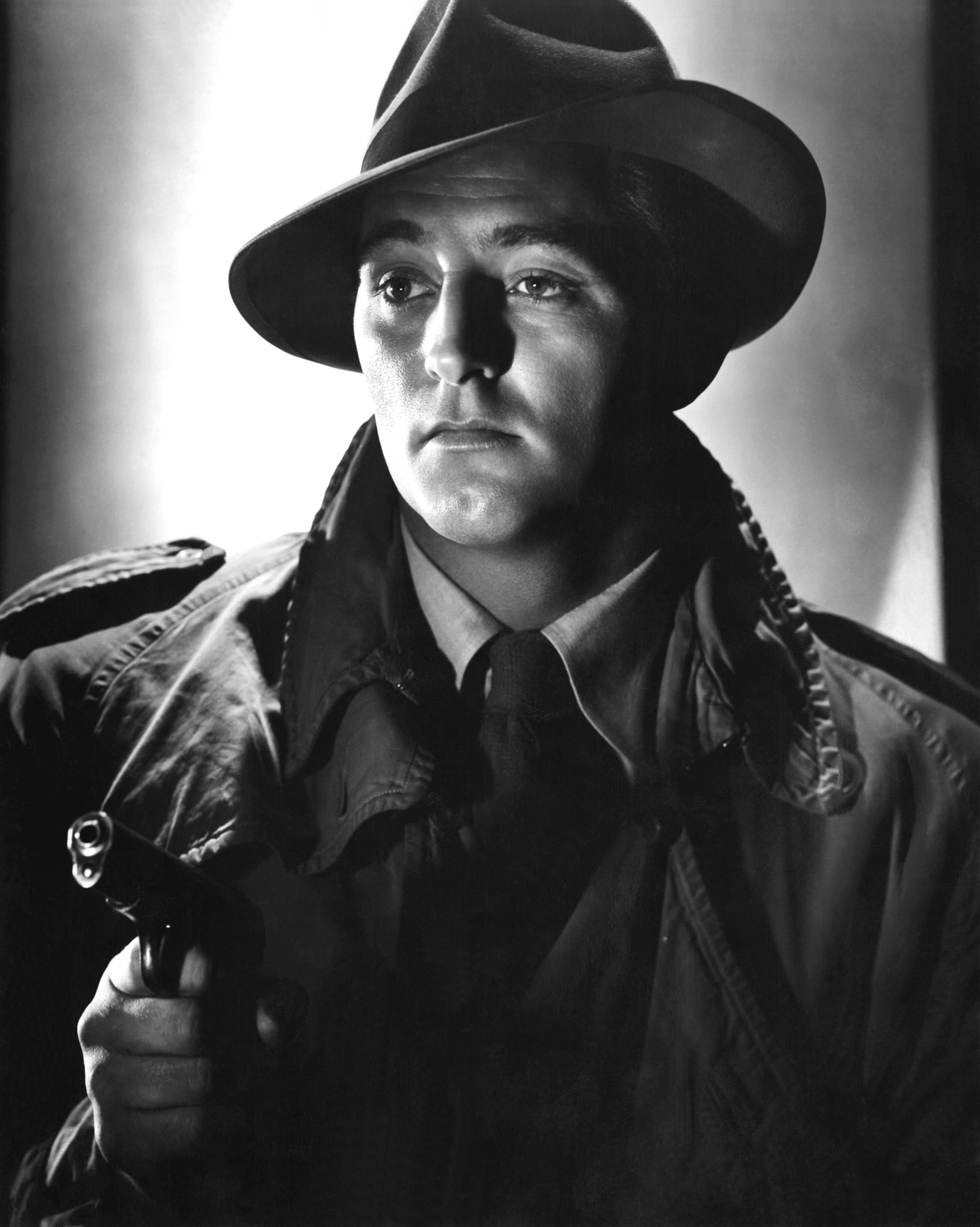 Robert Mitchum For mobile