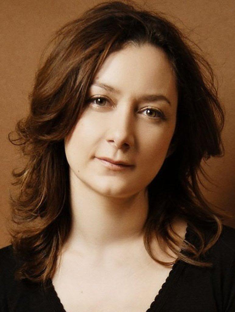 Sara Gilbert For mobile