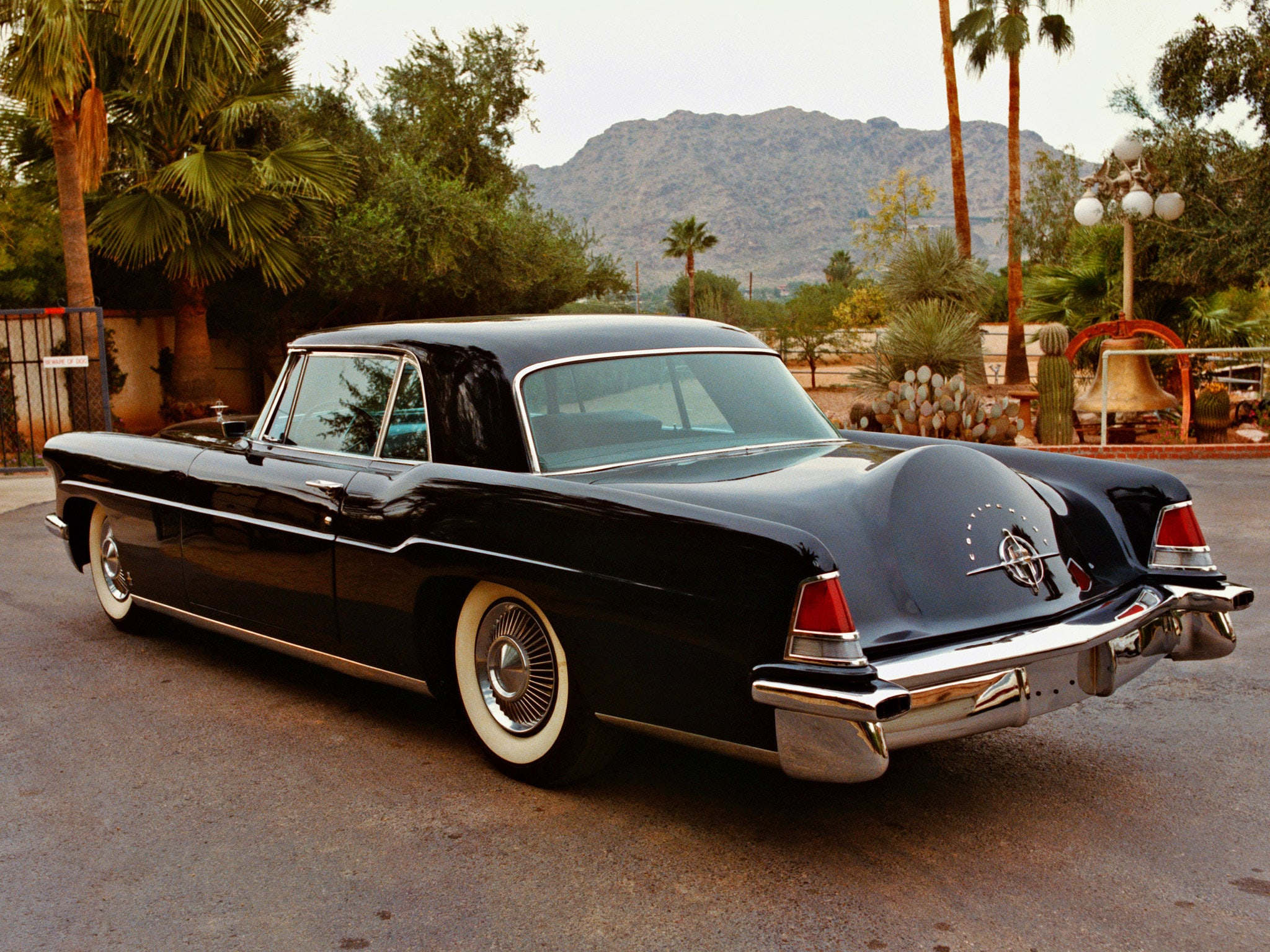 1956 Lincoln Mark II Widescreen for desktop