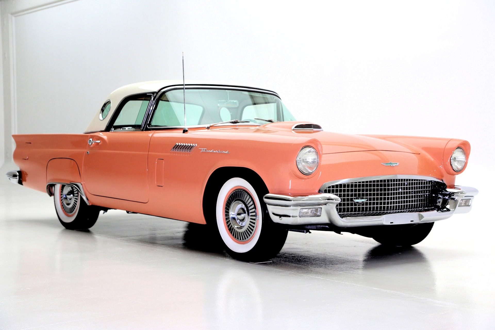 1957 Ford Thunderbird Widescreen for desktop