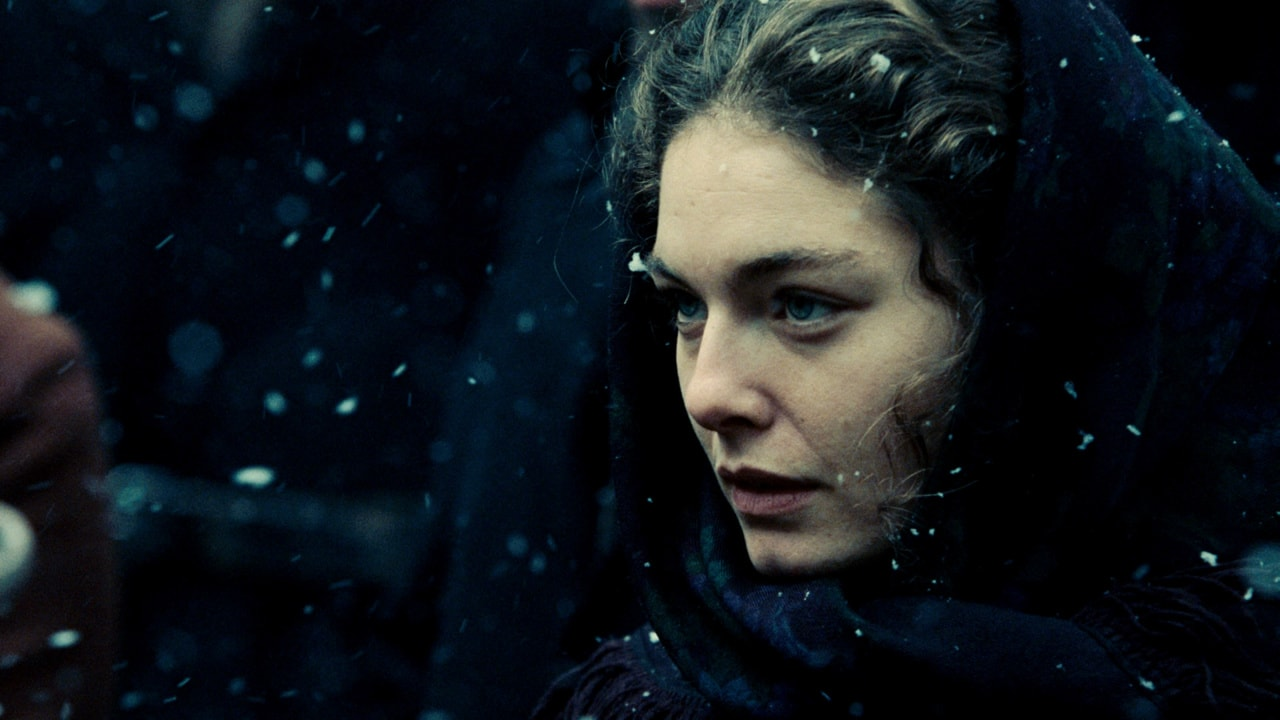 Alexa Davalos Widescreen for desktop