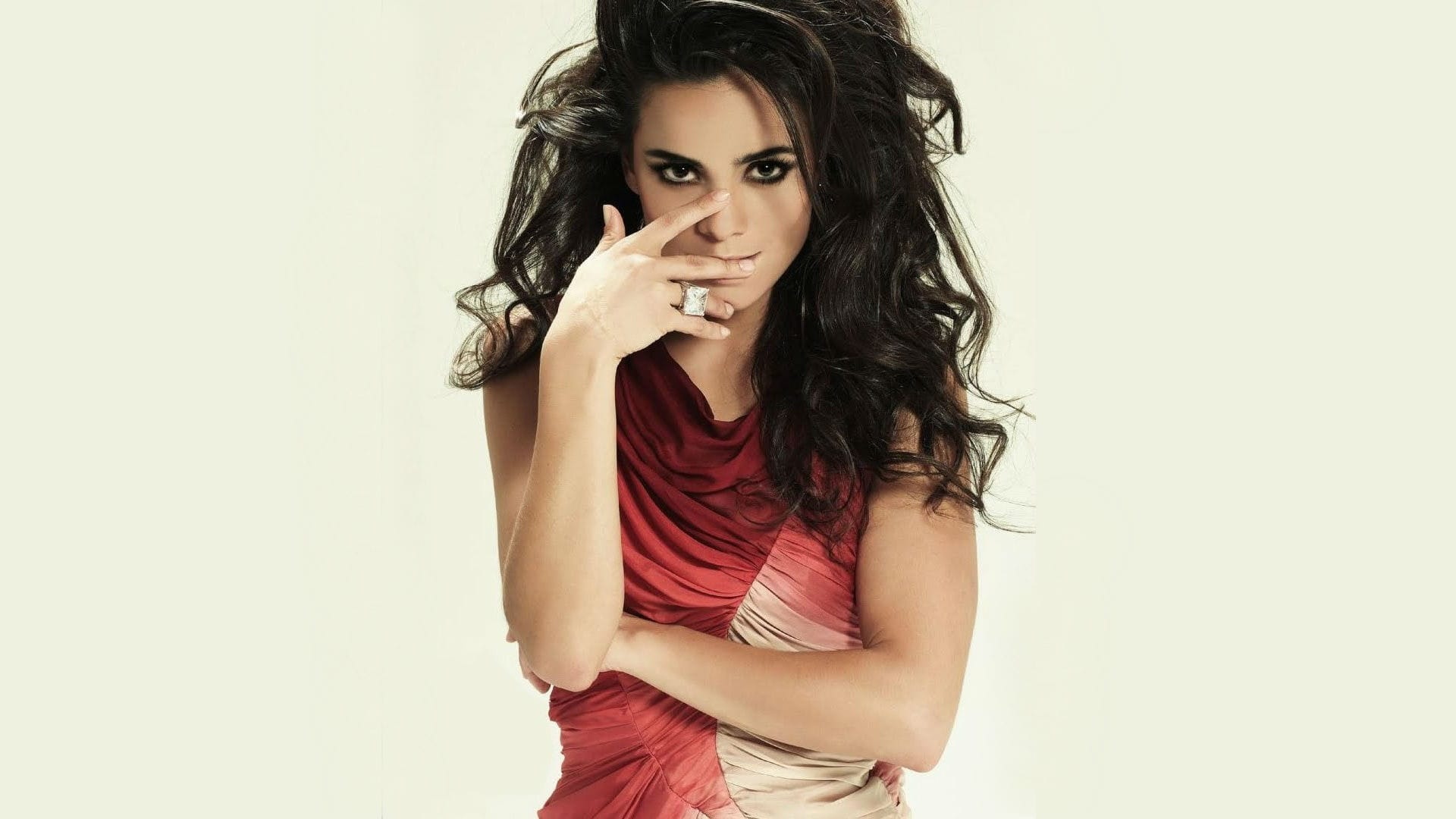 Alice Braga Widescreen for desktop