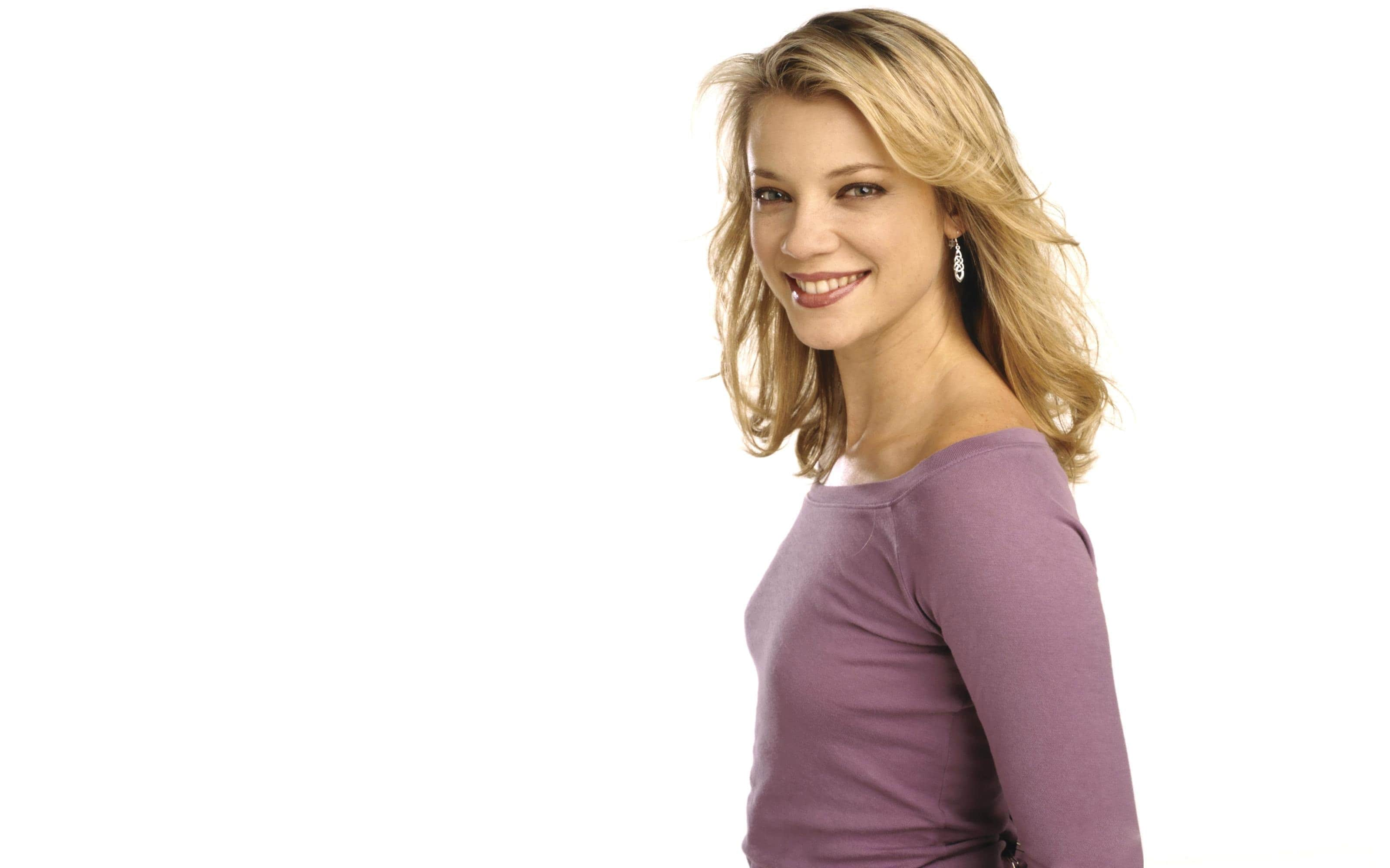 Amy Smart Widescreen for desktop