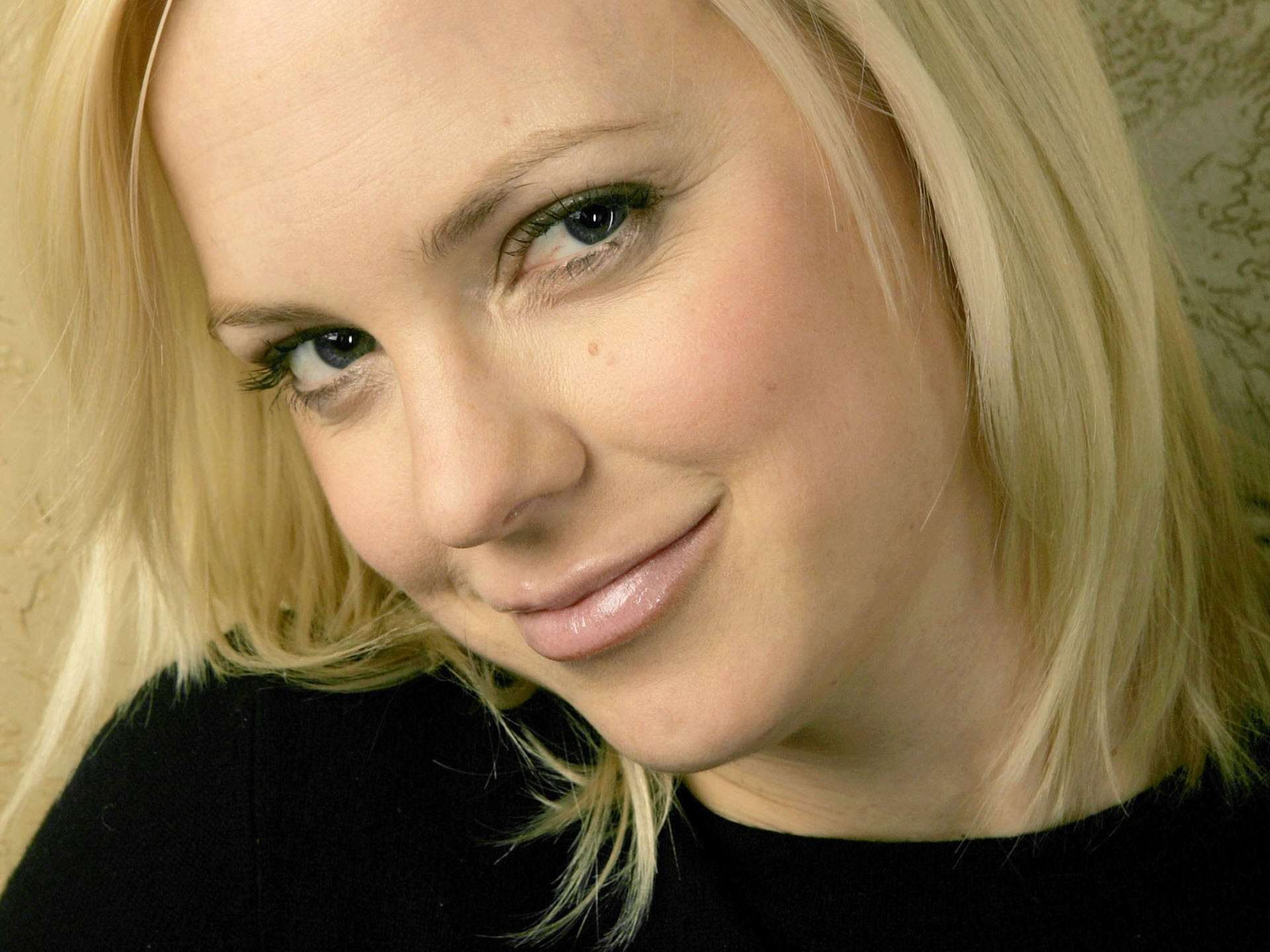 Anna Faris Widescreen for desktop