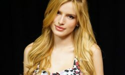 Bella Thorne Widescreen for desktop
