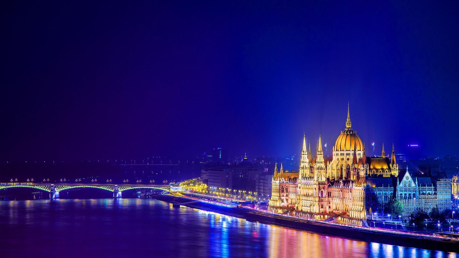 Budapest widescreen for desktop