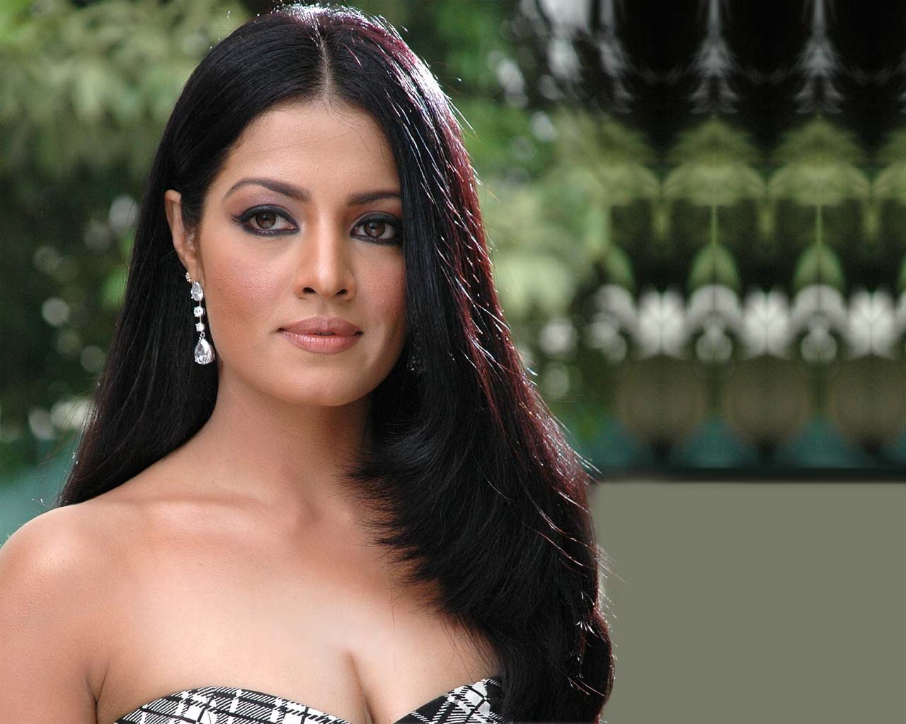 Celina Jaitley Widescreen for desktop