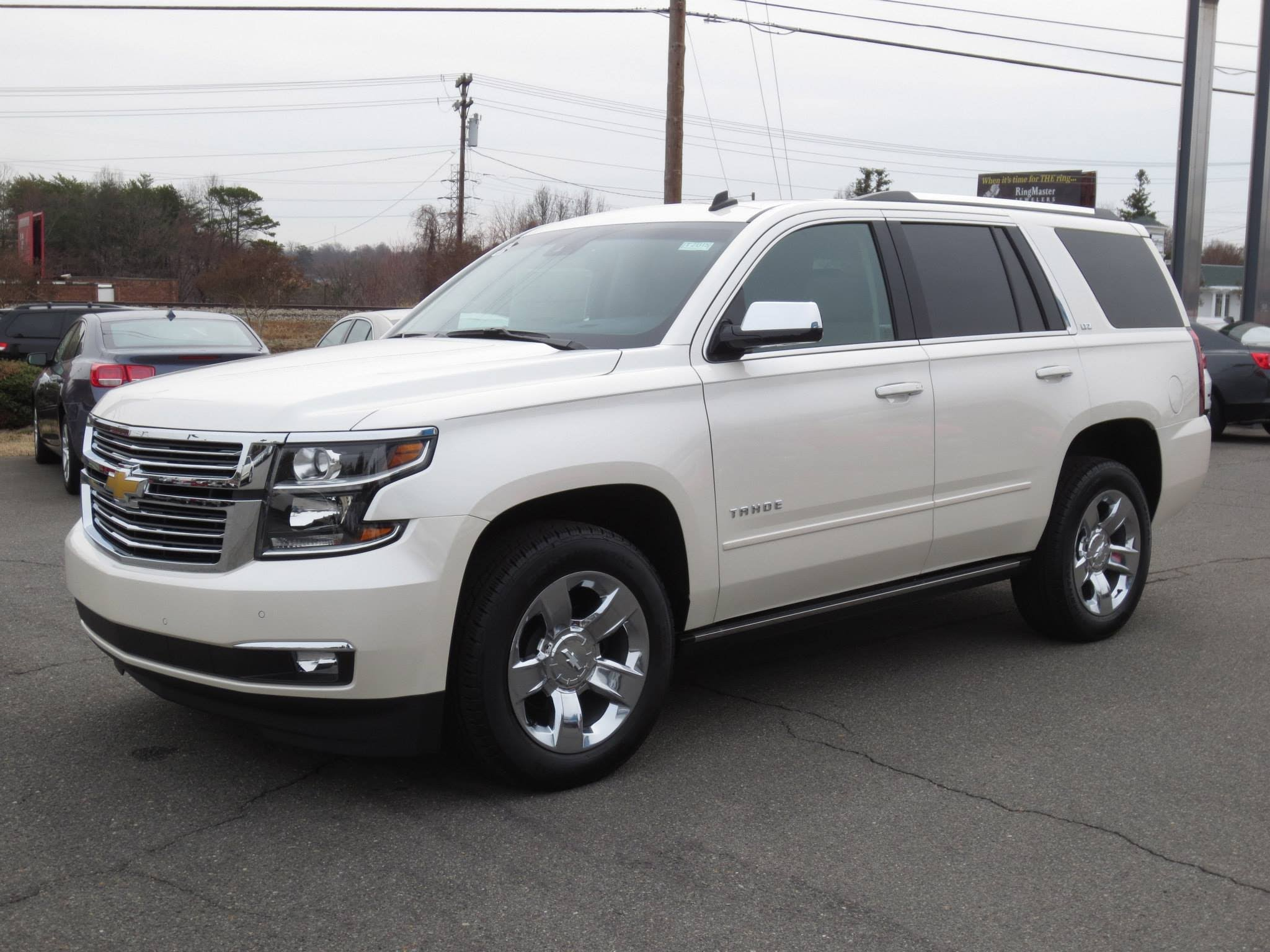 Chevrolet Tahoe 4 Widescreen for desktop
