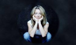 Cynthia Watros Widescreen for desktop