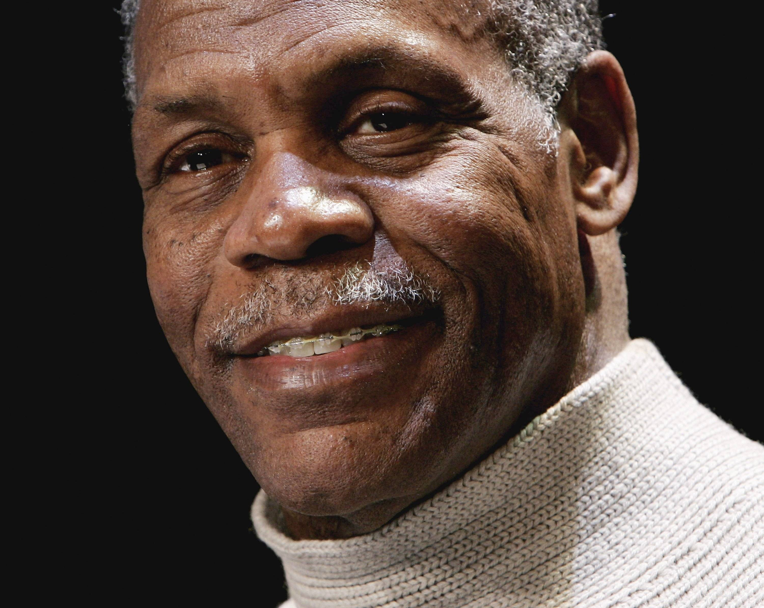 Danny Glover Widescreen for desktop