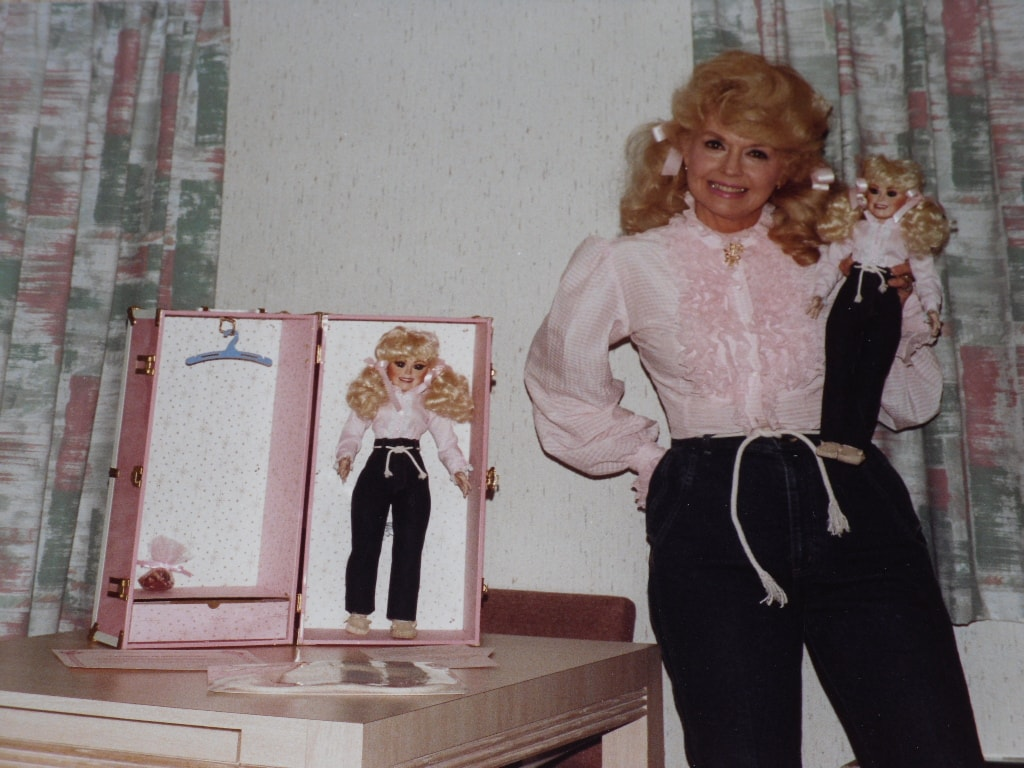 Donna Douglas Widescreen for desktop