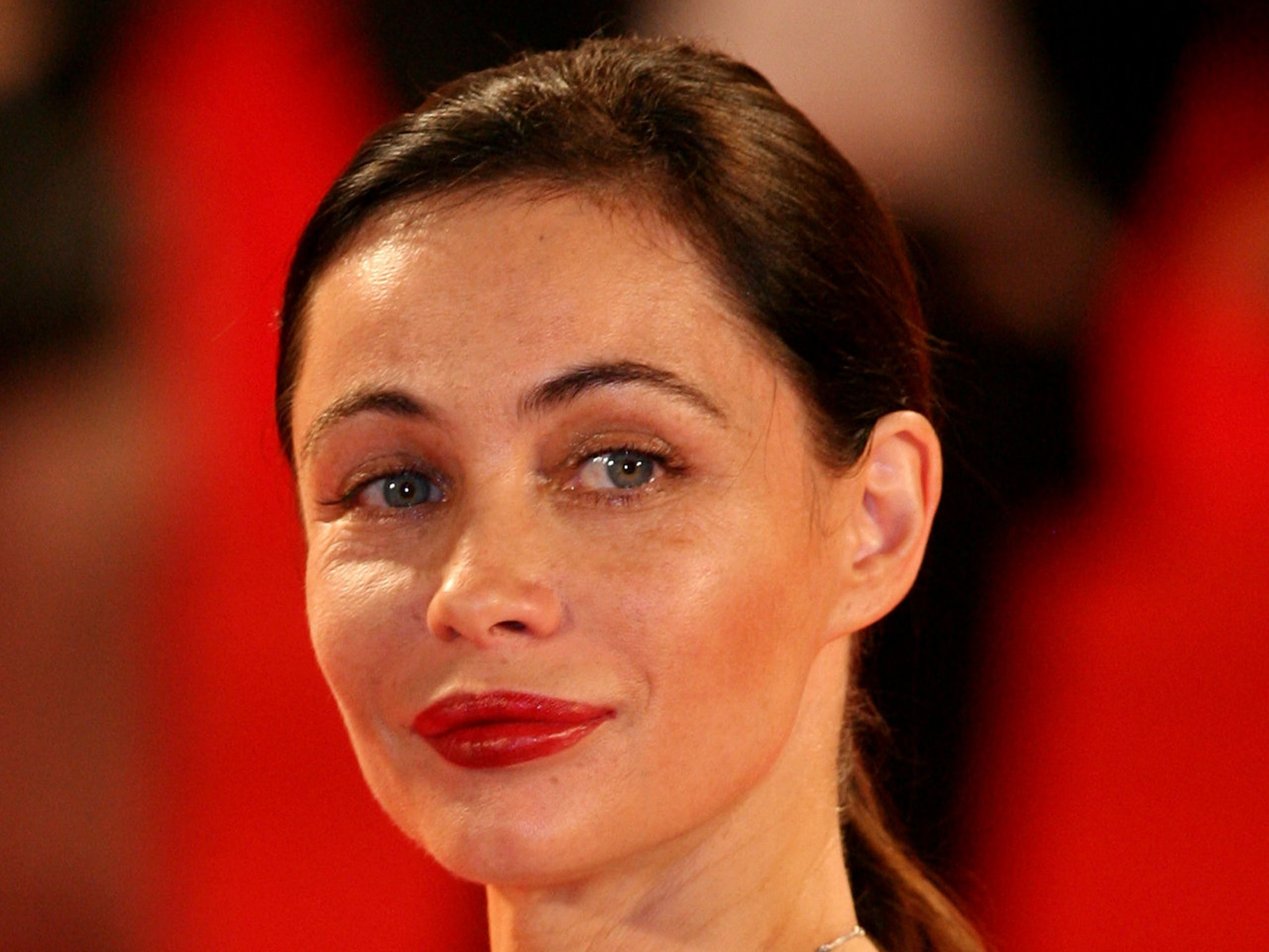 Emmanuelle Beart Widescreen for desktop