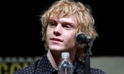 Evan Peters Widescreen for desktop