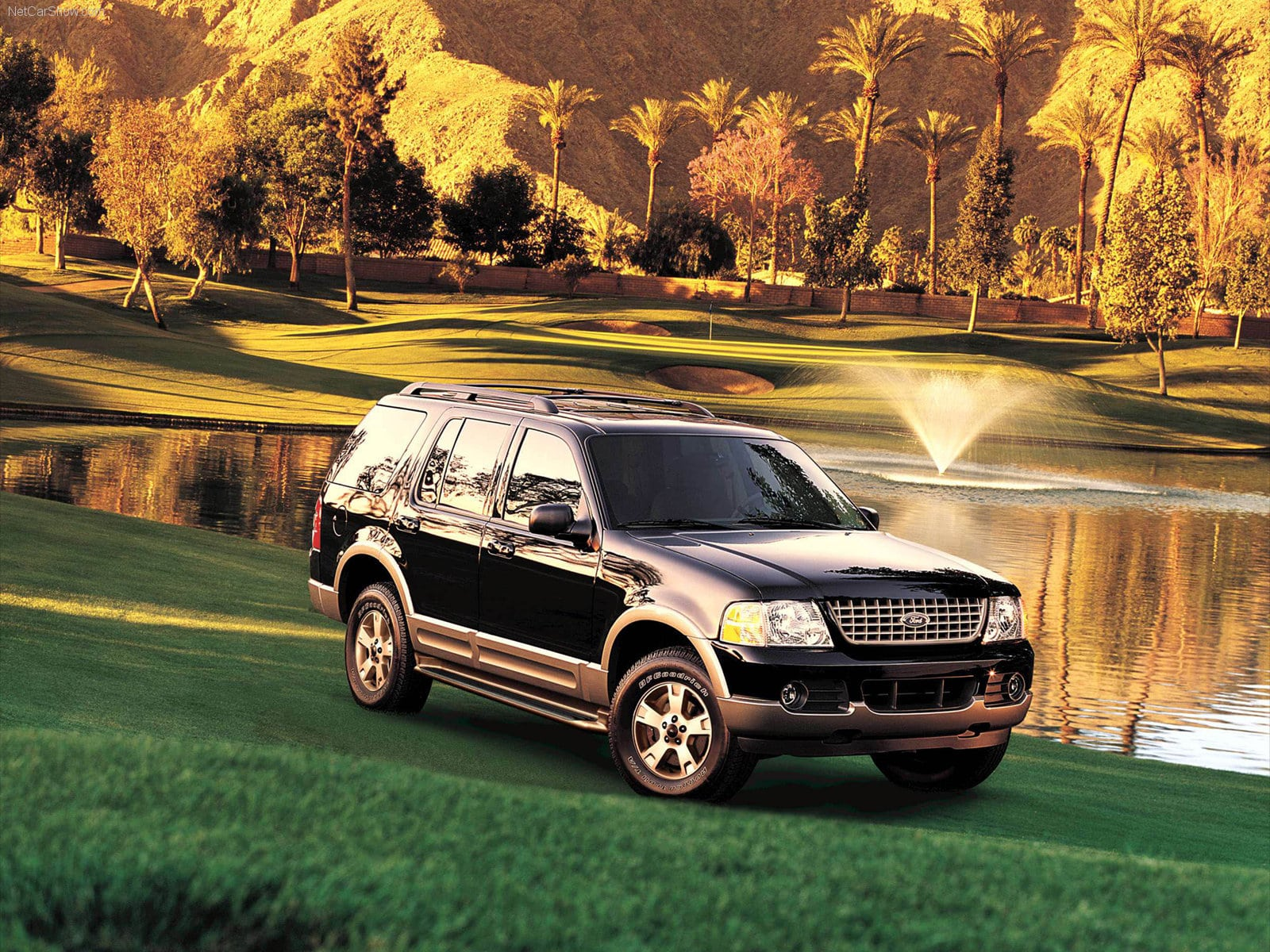 Ford Explorer Widescreen for desktop