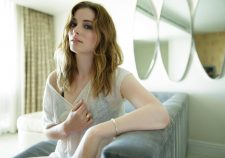Gillian Jacobs Widescreen for desktop