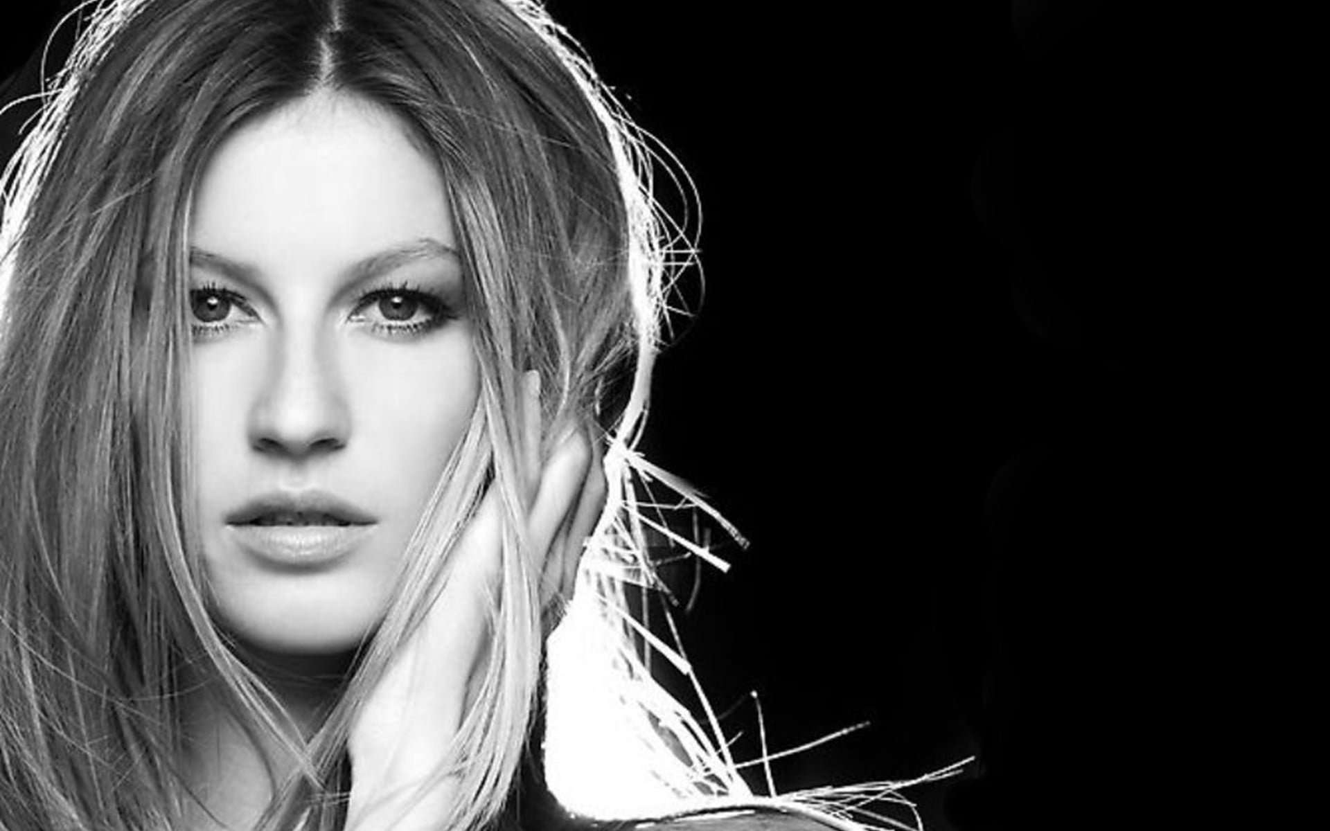 Gisele Bundchen Widescreen for desktop