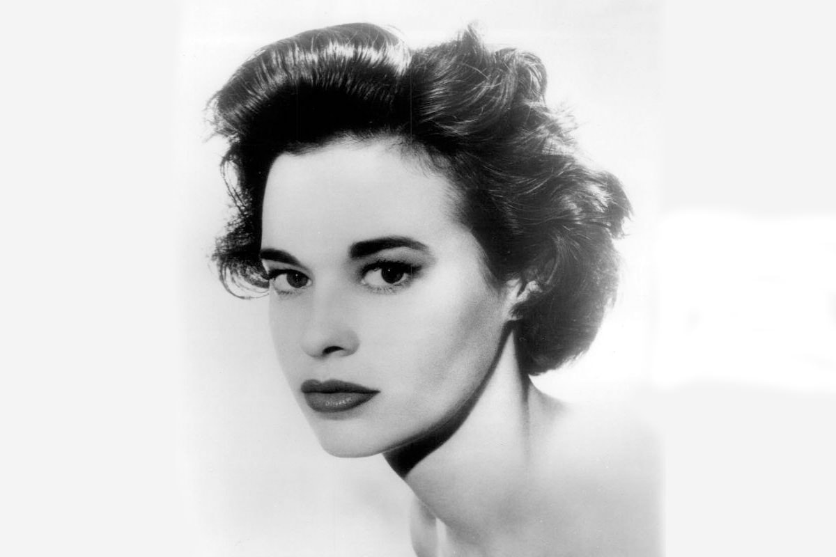 Gloria Vanderbilt Widescreen for desktop