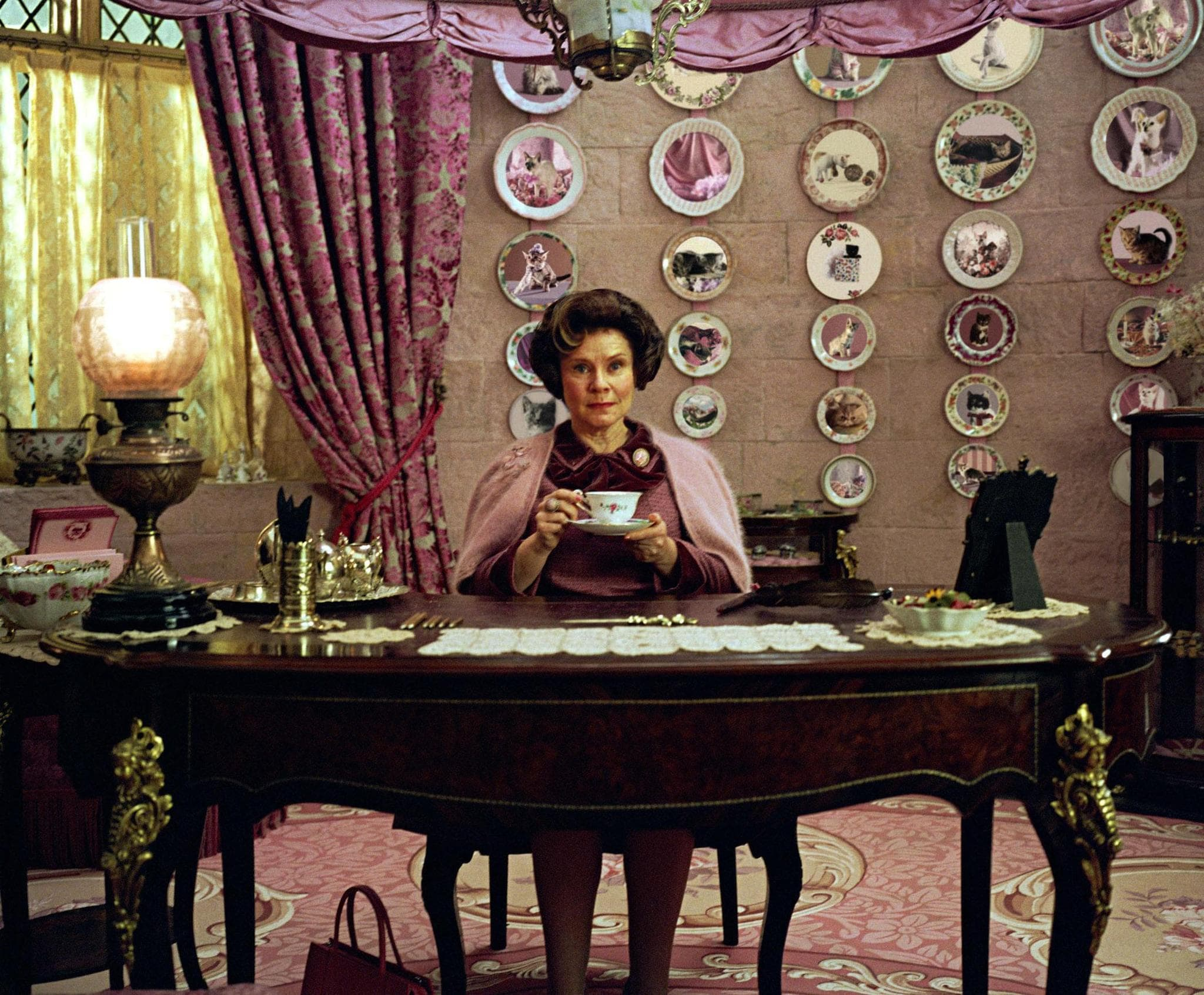 Imelda Staunton Widescreen for desktop