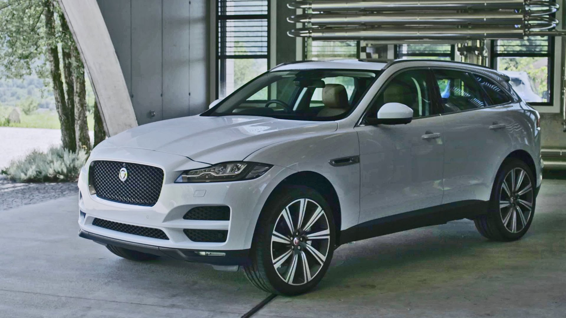 Jaguar F-Pace Widescreen for desktop