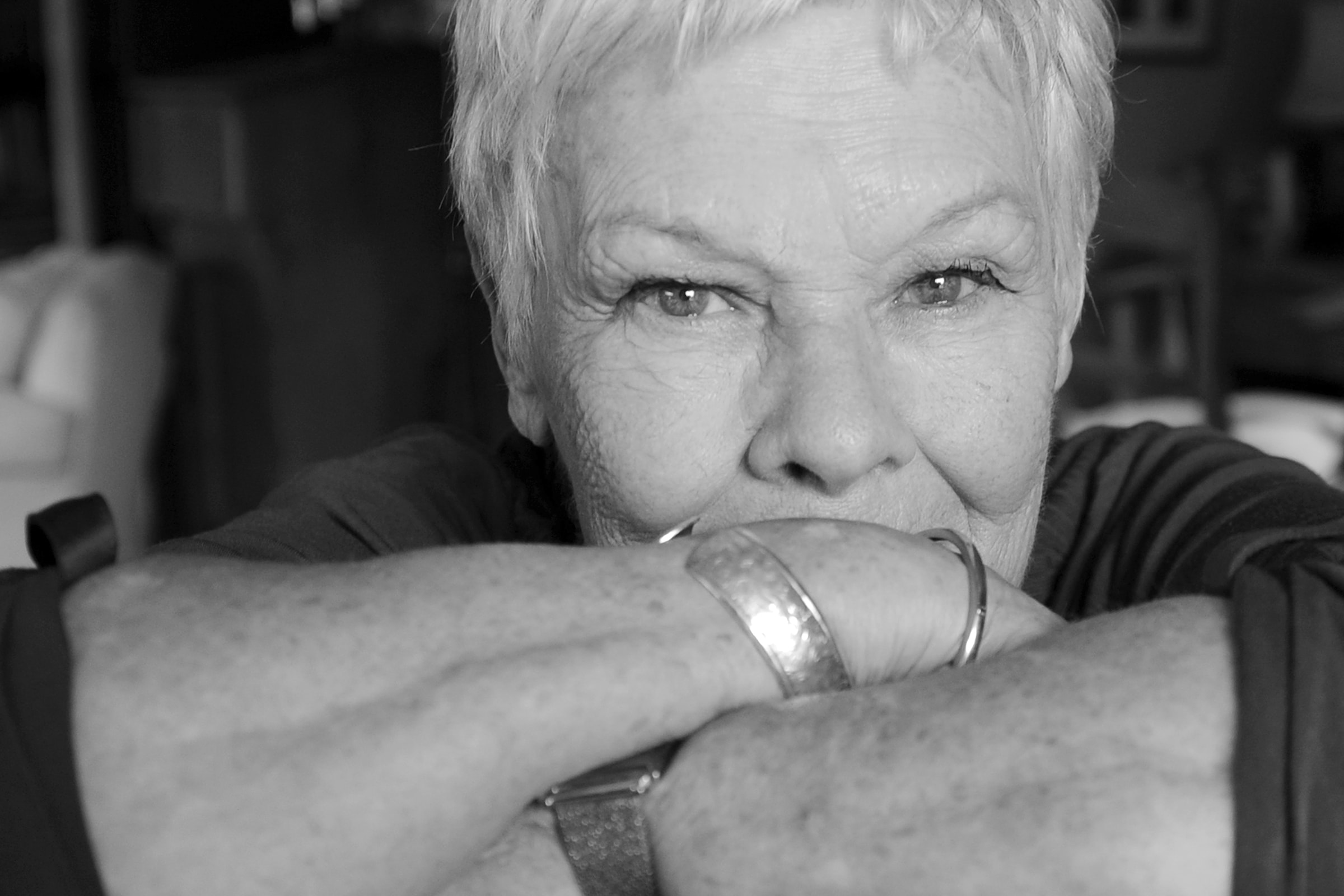 Judi Dench Wallpaper