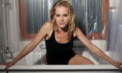 Julie Benz Widescreen for desktop