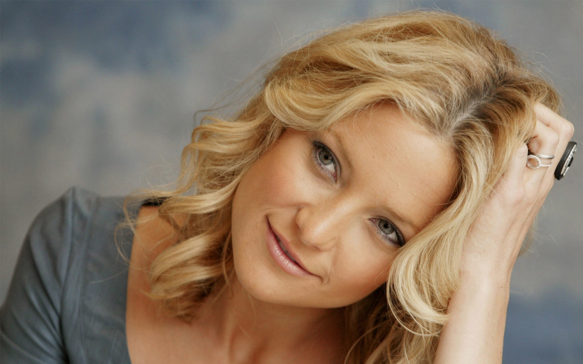 Kate Hudson Widescreen for desktop