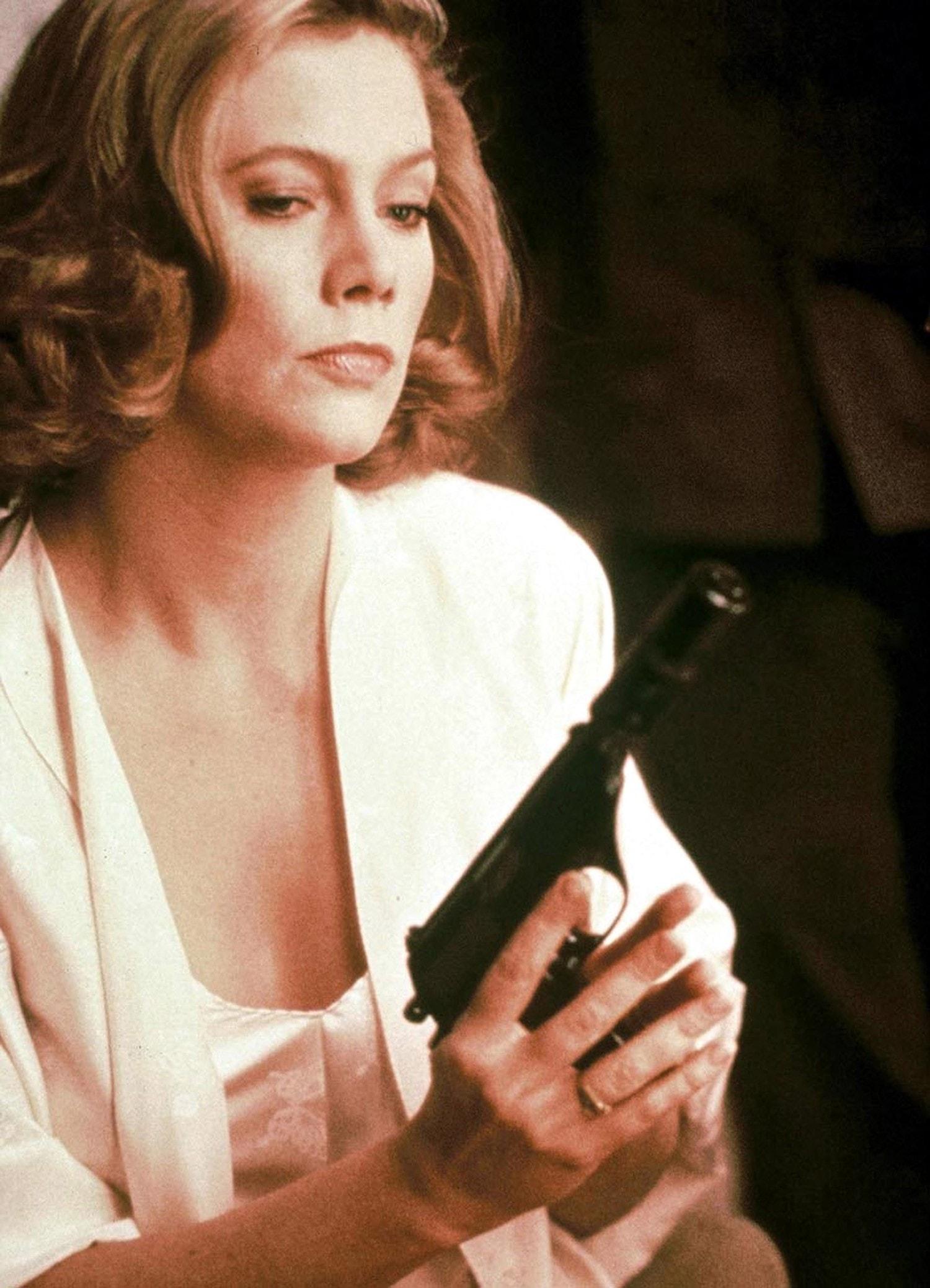 Kathleen Turner For mobile