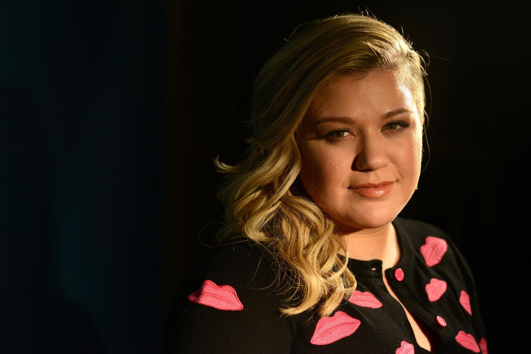 Kelly Clarkson Widescreen for desktop