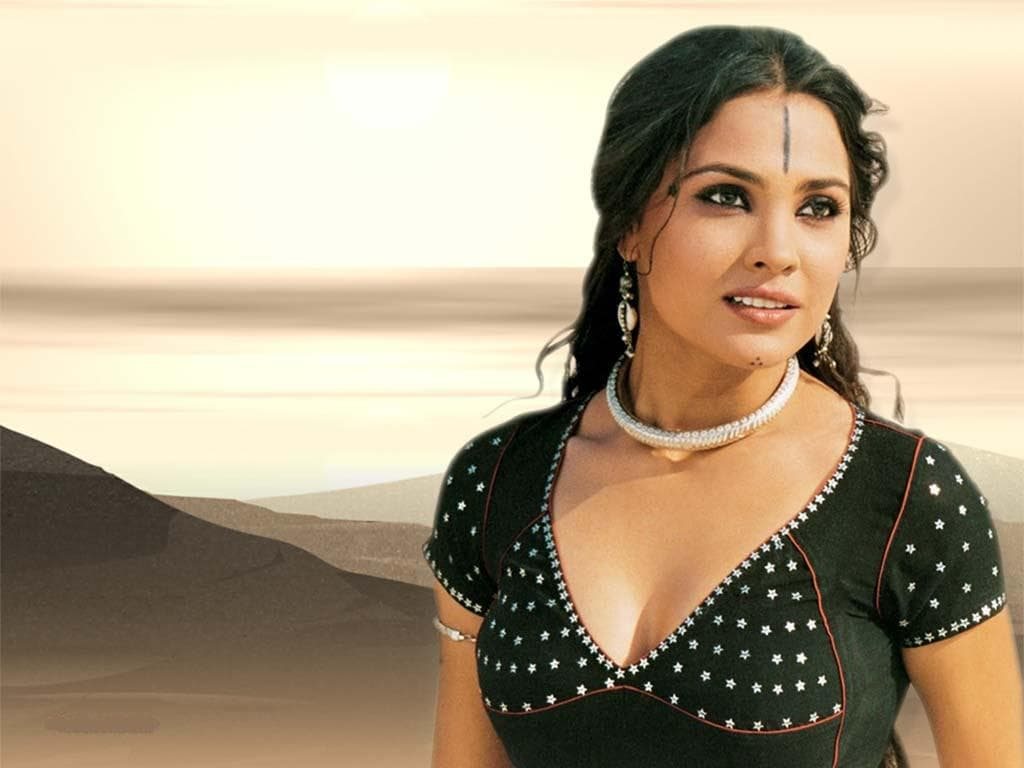 Lara Dutta Widescreen for desktop