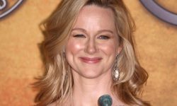 Laura Linney Widescreen for desktop