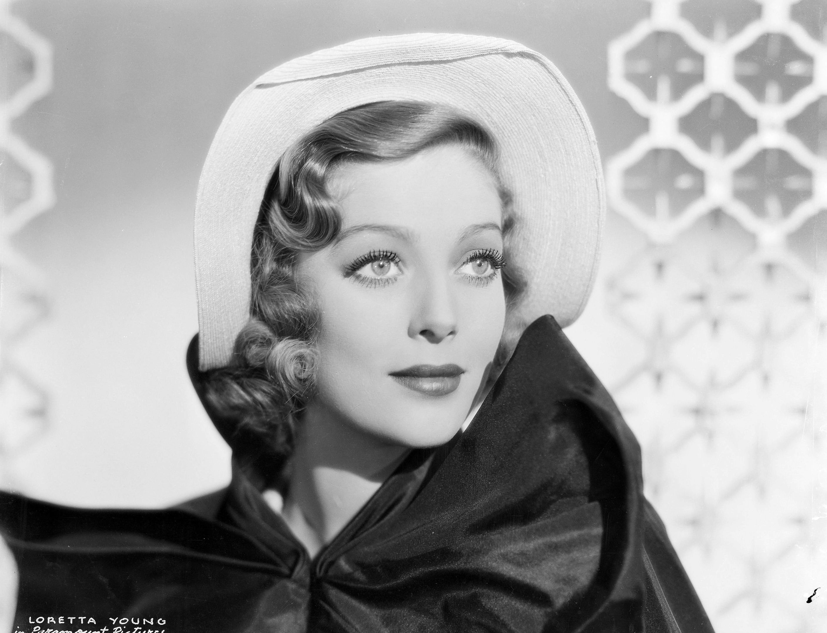 Loretta Young Widescreen for desktop