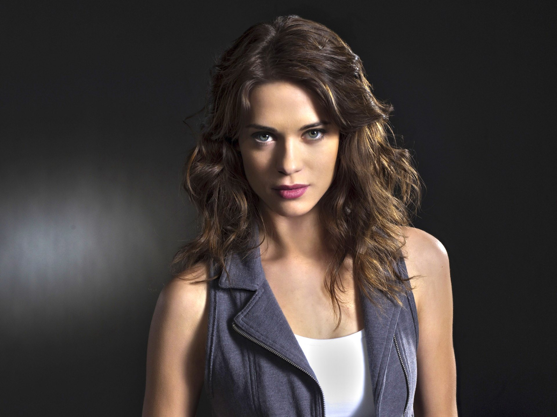 Lyndsy Fonseca Widescreen for desktop