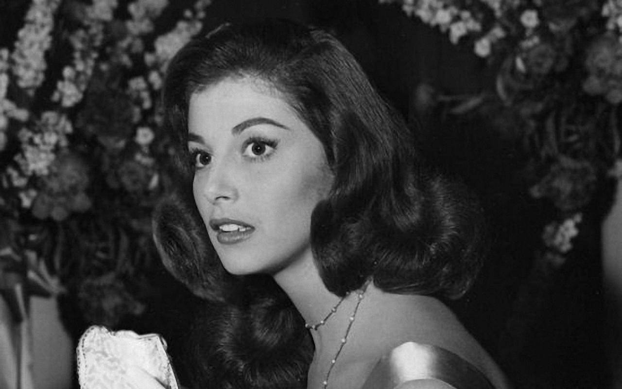 Pier Angeli Widescreen for desktop