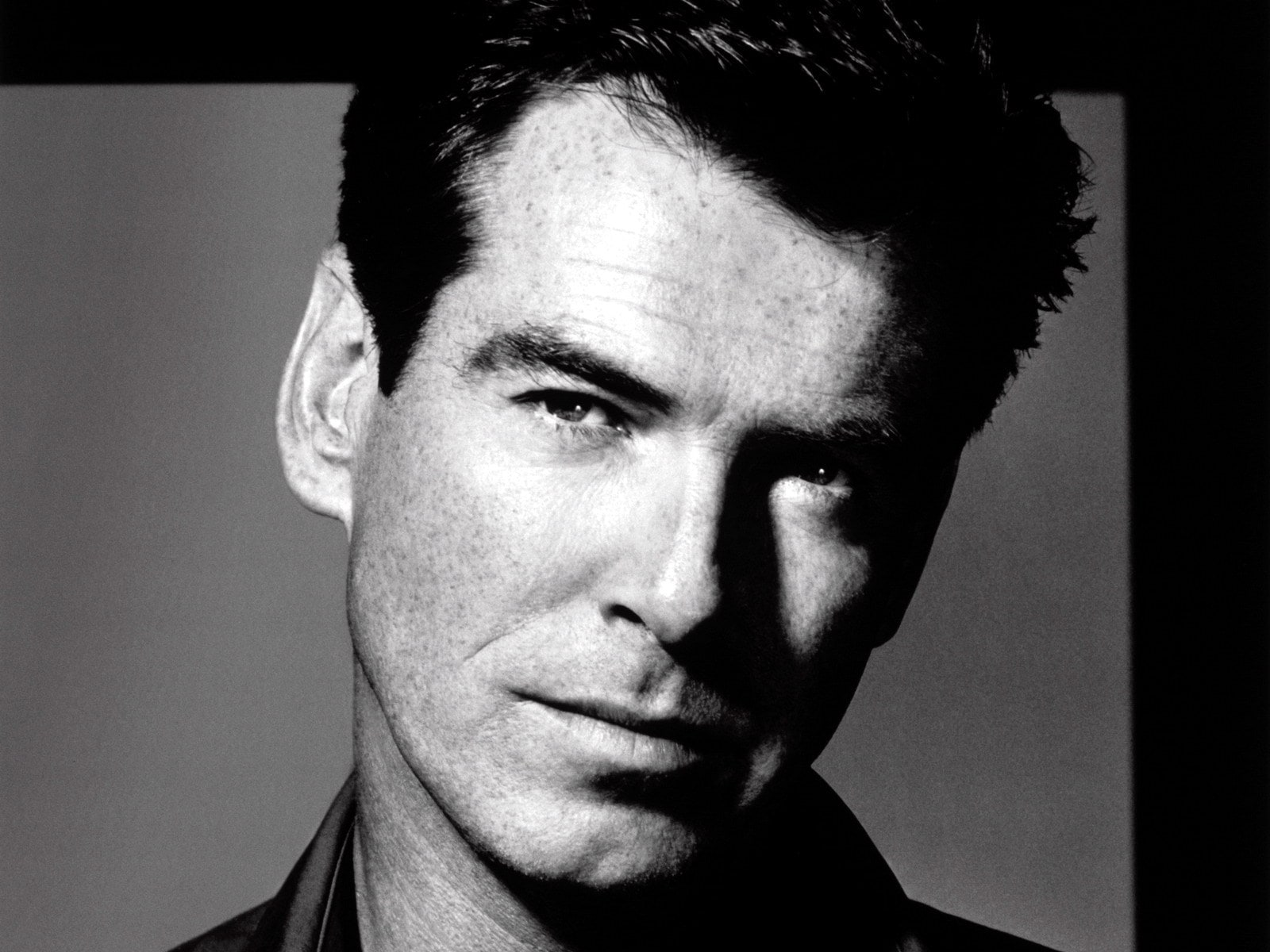 Pierce Brosnan Widescreen for desktop