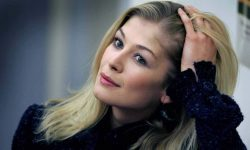 Rosamund Pike Widescreen for desktop