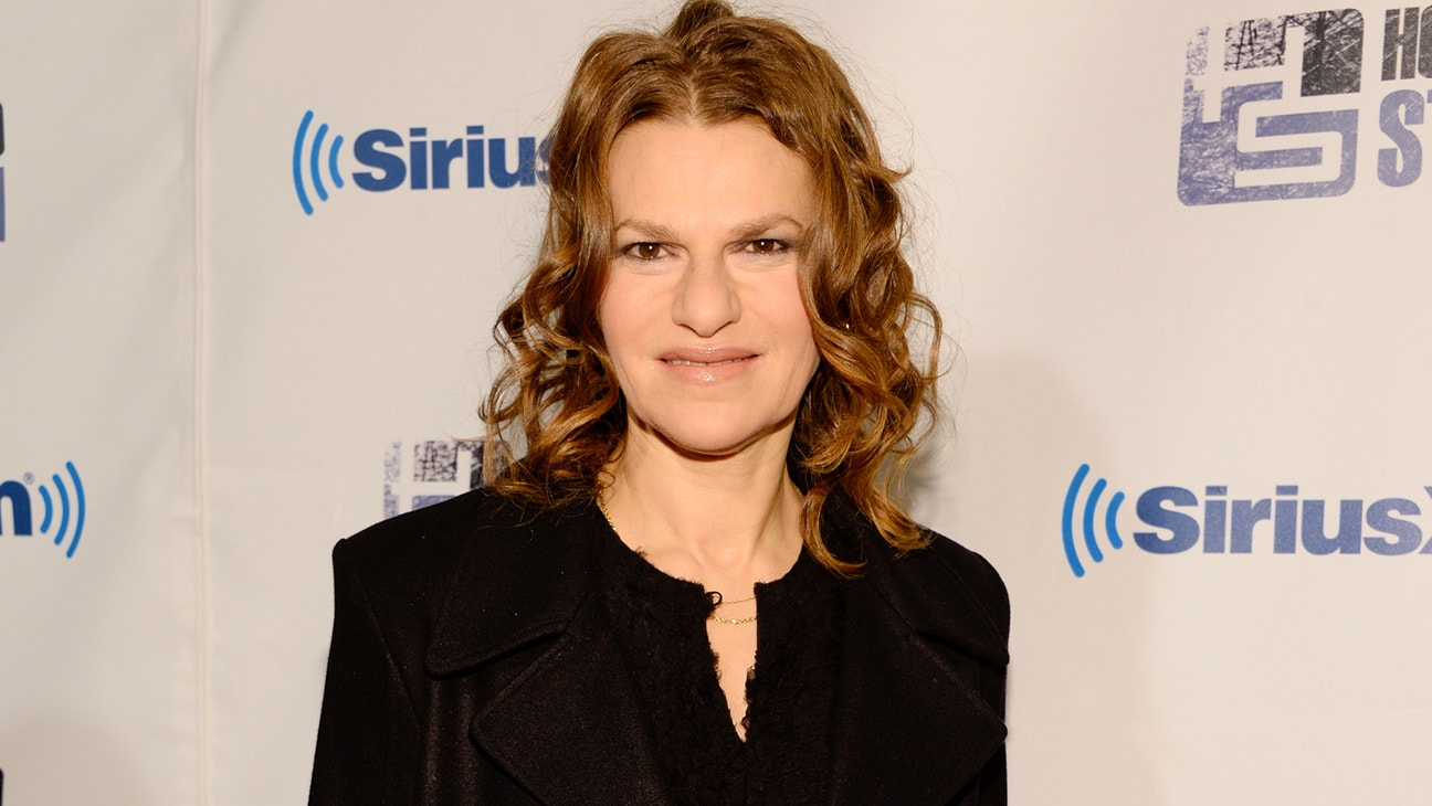 Sandra Bernhard Widescreen for desktop