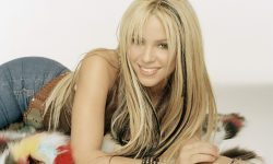 Shakira Widescreen for desktop