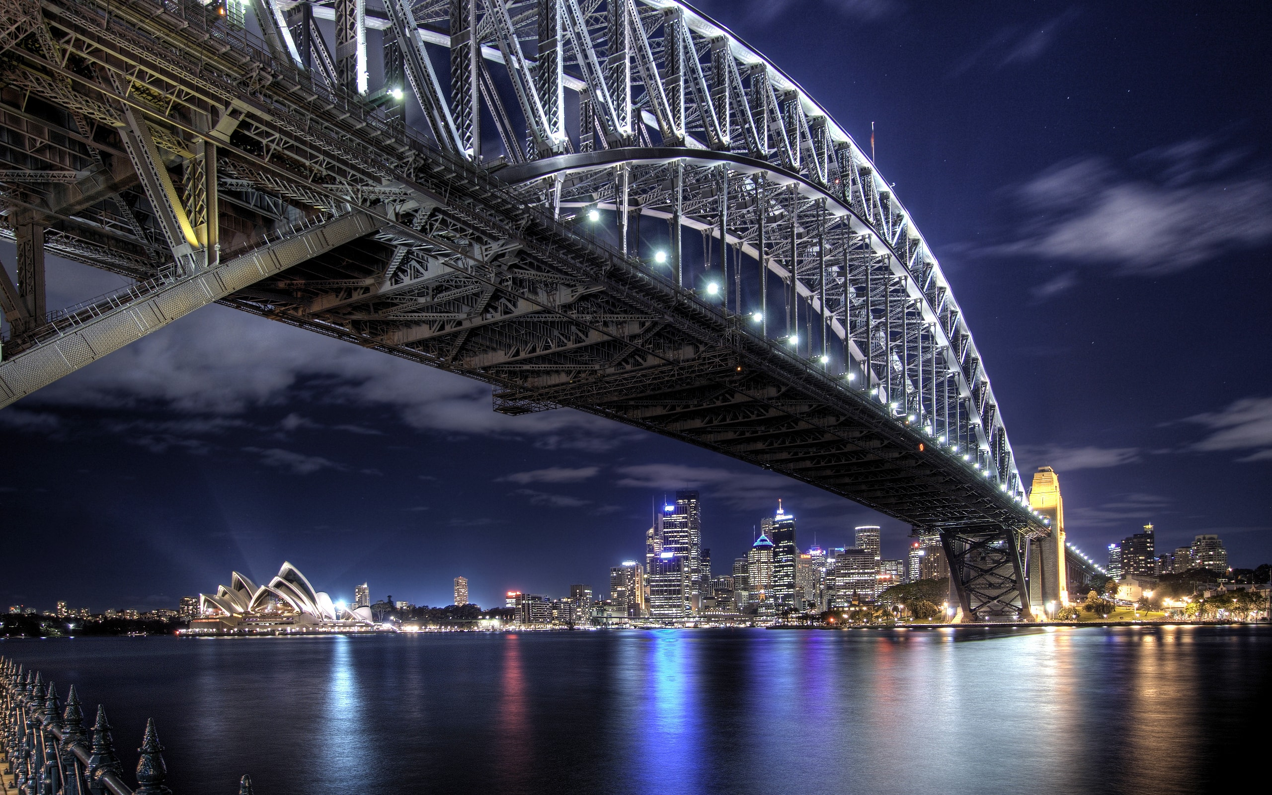 Sydney widescreen for desktop