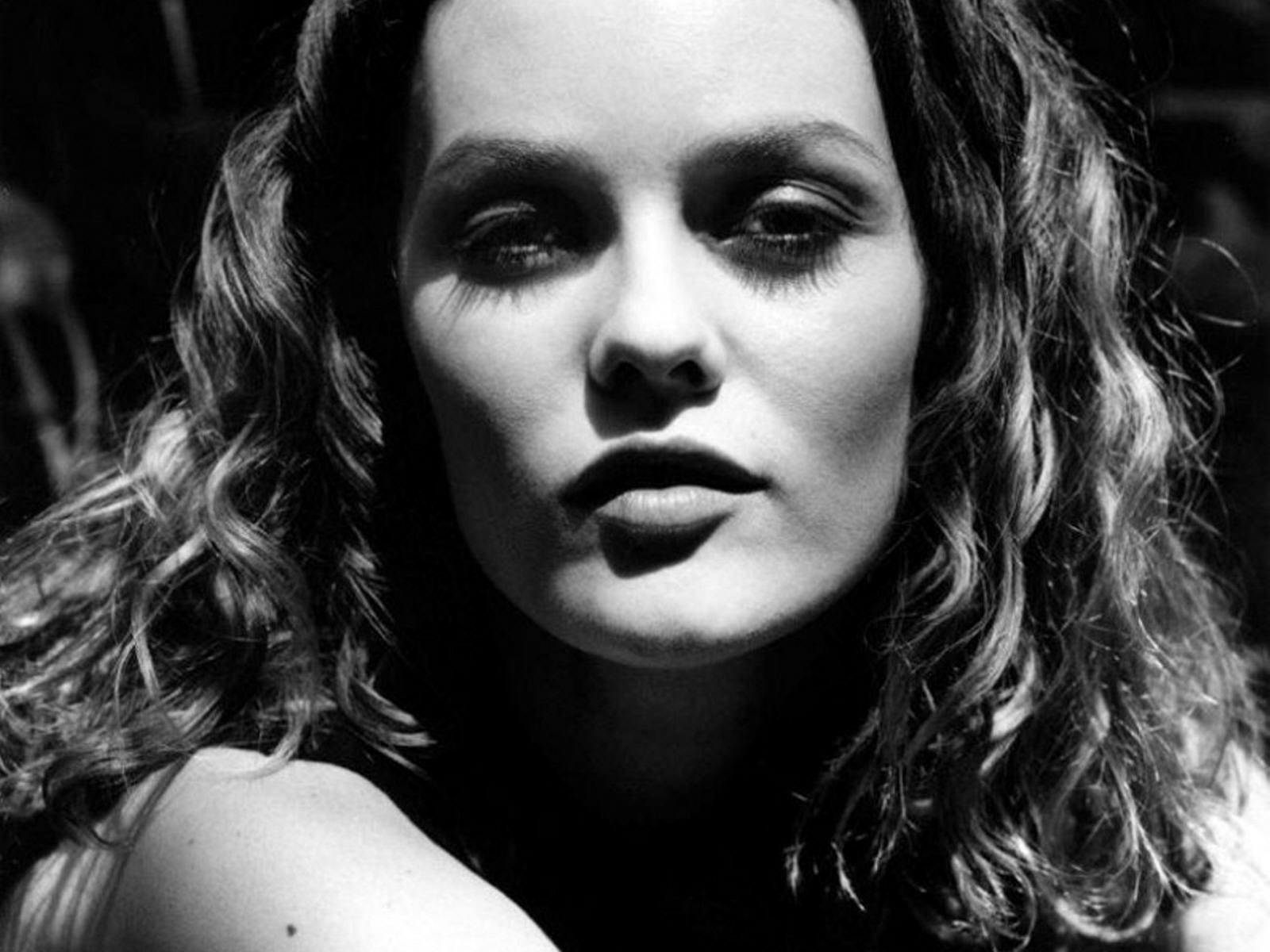 Vanessa Paradis Pictures