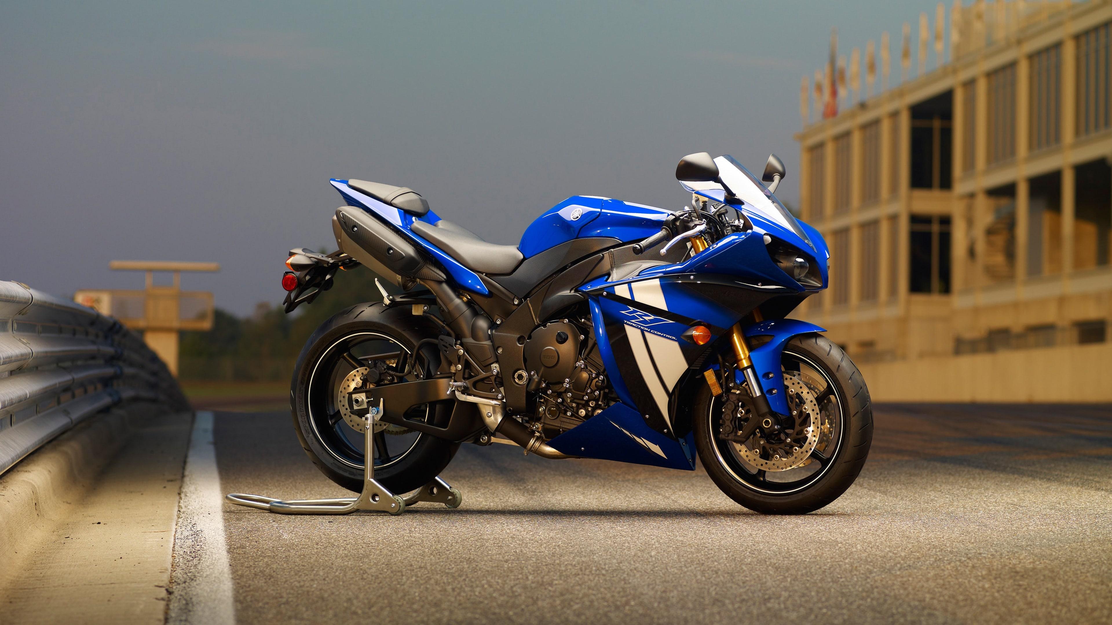 Yamaha YZF-R1 2012 Widescreen for desktop