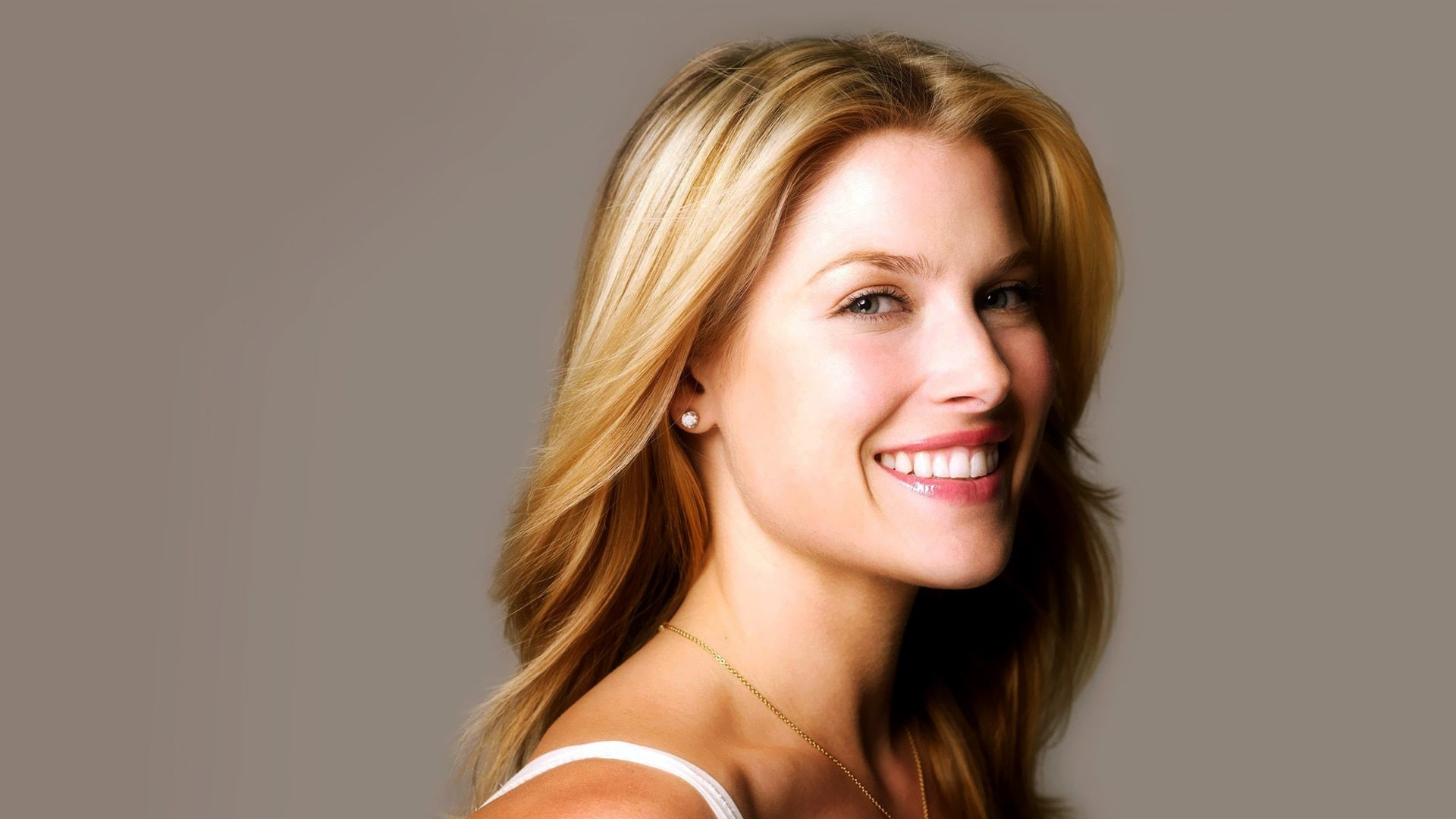 Ali Larter Desktop wallpaper